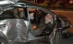 Cả gia đình ba người tử vong trong xe Vios nát bét