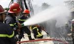 Cháy lớn tại kho nhớt ở Sài Gòn