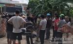 Thanh niên trộm sắt công trình, bị người dân vây đánh bầm dập