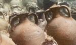 Cận cảnh tàu chìm gần 2.000 năm, rượu vang vẫn còn trong bình