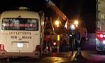 Xe tải lùi ẩu từ quán ăn ra gây tai nạn, 5 người bị thương