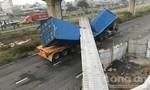 Xe container kéo sập công trình cầu bộ hành ở cửa ngõ đông đúc nhất Sài Gòn