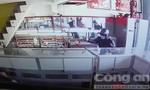 Hai đối tượng nghi nổ súng cướp tiệm vàng ở Sài Gòn