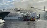 Hai siêu du thuyền bốc cháy, thiệt hại hơn 20 triệu USD