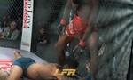 Clip võ sĩ ra đòn, khiến đối thủ co giật