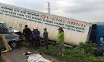 Xe container tông xe khách chở thầy chùa, 13 người thương vong