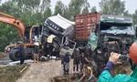Tai nạn liên hoàn giữa hai container và máy múc, 3 người cấp cứu