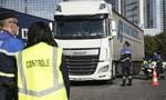 Cảnh sát Pháp phát hiện 31 người di cư trốn trong xe tải
