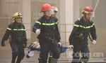 """1.000 công nhân tháo chạy khỏi """"đám cháy"""""""