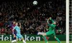 Champions League: Messi tịt ngòi, Barca chia điểm