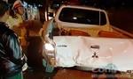 Xe của CSGT đang làm nhiệm vụ bị ô tô tải tông móp