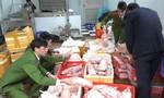 Siêu lợi nhuận từ thịt vịt đông lạnh và trứng gà non nhập lậu từ Trung Quốc