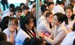 H'Hen Niê gây quỹ hơn 500 triệu đồng cho tổ chức Room To Read