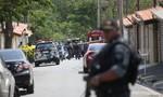 Hỗn loạn do cảnh sát truy đuổi nghi phạm, 9 người thiệt mạng