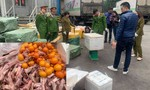 Bắt gần 5 tấn thực phẩm nhập lậu từ Trung Quốc, chuẩn bị vào Sài Gòn