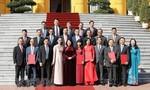 Trao quyết định cho 16 đại sứ Việt Nam tại nước ngoài