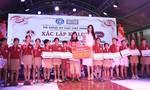 Hoa hậu Tiểu Vy tặng quà trẻ em hoàn cảnh đặc biệt