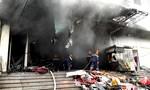 Cháy chợ trung tâm ở Thái Nguyên, nhiều tiểu thương mất Tết