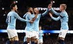 """Man City """"hủy diệt"""" Chelsea 6-0, vươn lên đỉnh bảng"""