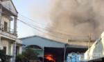 Cháy xưởng gỗ rộng cả ngàn mét vuông, thiệt hại lớn về tài sản