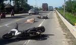 Xe đầu kéo tông 2 xe máy chở du khách nước ngoài, 1 người tử vong