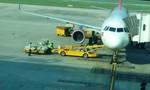 """Bức xúc clip nhân viên tại sân bay Đà Nẵng """"bạo hành"""" với hành lý"""