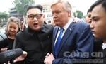 """""""Bản sao"""" Trump - Kim làm náo nhiệt phố phường Hà Nội"""