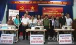 Tặng 10 máy may công nghiệp cho người nghèo huyện Bình Chánh