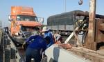 Tai nạn liên hoàn 3 xe container trên cao tốc Trung Lương - TPHCM