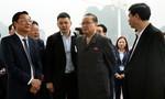 Đoàn Triều Tiên thăm quan vịnh Hạ Long