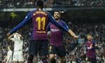 Suarez tỏa sáng, Barca đè bẹp Real trên sân Bernabeu