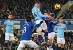 Man City tạm vươn lên đỉnh bảng Ngoại hạng Anh