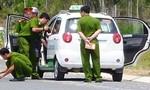 Truy nóng hai người nước ngoài đánh tài xế ngất xỉu cướp taxi