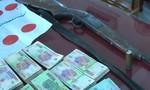 Phá sới bạc liên tỉnh, thu hơn 1 tỷ đồng cùng súng đạn đã lên nòng