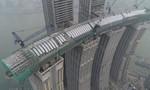 Clip hồ bơi dài nhất thế giới nối 4 tòa nhà chọc trời