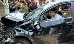 Kẻ nghi ngáo đá lái xe tông 7 ô tô và xe máy là Việt kiều Mỹ