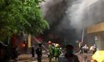 Trăm Cảnh sát chữa cháy tại tổ hợp khách sạn, nhà hàng, karaoke