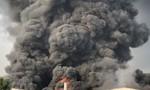 Cháy công ty đèn cầy, hàng ngàn mét vuông nhà xưởng bị thiêu tụi