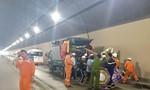 Xe chở quan tài bốc cháy trong hầm Hải Vân