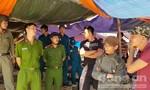 Tháo dỡ hàng quán tự phát, dọn vệ sinh ở biển Nam Ô