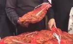 Clip chợ 'nhà giàu' ở Ả Rập Saudi bán châu chấu làm thực phẩm