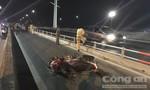Đi sinh nhật về, nam sinh năm nhất tử vong tại dốc cầu Bình Lợi
