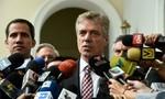Venezuela trục xuất đại sứ Đức