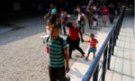 Colombia cho công dân Venezuela qua biên giới dù hộ chiếu hết hạn