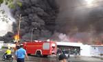 Cháy khủng khiếp trong KCN Sóng Thần