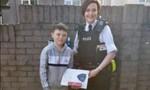 Cậu bé 9 tuổi nhanh trí giải cứu thiếu nữ khỏi ba kẻ bắt cóc