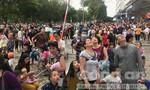 Hàng trăm người tháo chạy khi chung cư Linh Đàm bốc cháy