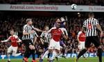 Hạ Newcastle, Arsenal vươn lên top 3