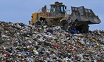 """Tổng thống Philippines """"khẩu chiến"""" với Canada vì… rác"""