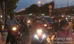 Người dân ùn ùn rời Sài Gòn đi nghỉ trong đợt lễ kéo dài 5 ngày